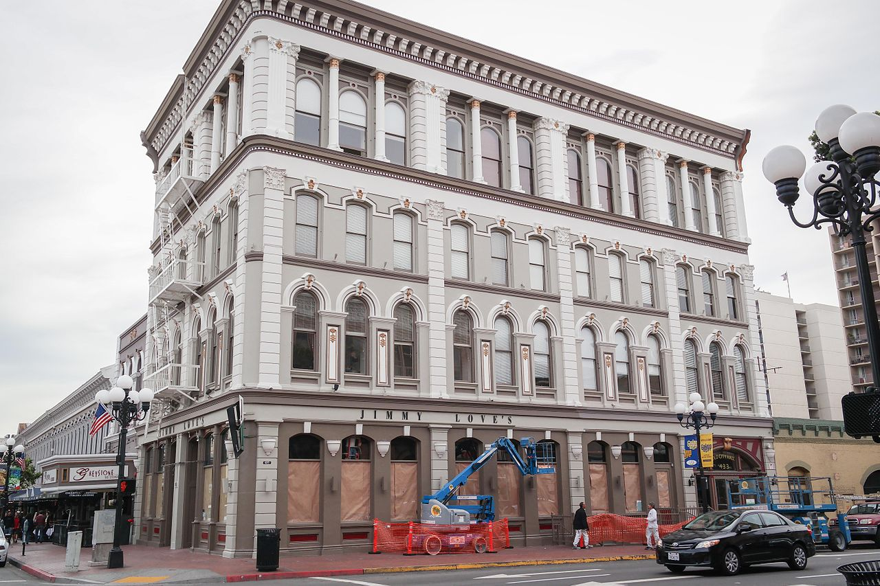 This external daytime photo of the 4 story Old city hall building, although it looks like any other city office building form the 1900s it has a horrid history that we share of San Diego Ghosts walking tour.